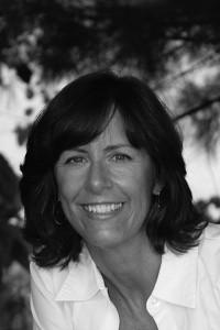 Nancy Viau